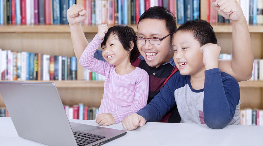 family-library-laptop